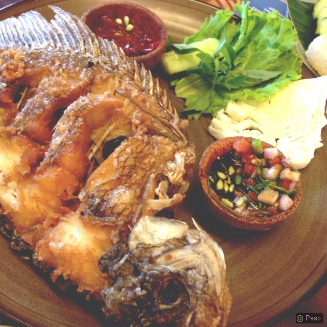 Delicious fried fish is delicious.